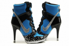 Vogue-always-nike-dunk-sb-high-heels-005-01_large