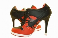 Martlocker-gamesite-nike-dunk-sb-low-heels-017-01