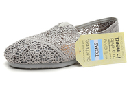 Crochet-silver-womens-classics-toms-shoes