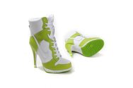 Service-online-store-famous-footwear-store-fashion-sneaker-store-nike-dunk-high-heels-greenwhite-high-quality