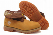 Mens-timberland-roll-top-boots-with-brown-flanging-patterns-001-01